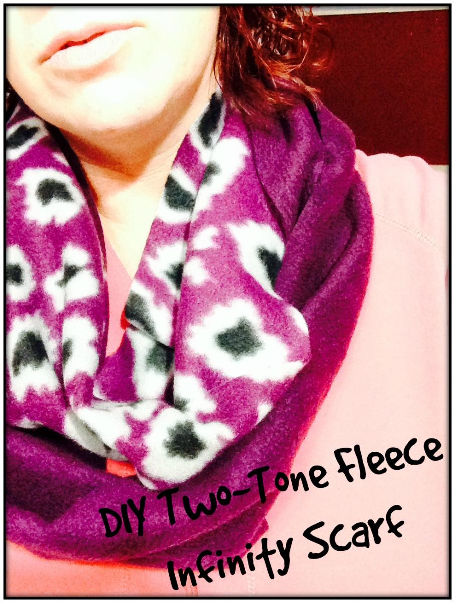 DIY Two-Tone Fleece Infinity Scarf | Summer Thinks